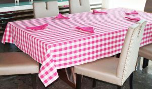 Buy Lushomes Yarn Dyed Lilac Checks 6 Seater Table Cloth & Napkins Set online