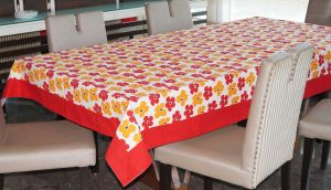 Buy Lushomes 4 Seater Basic Printed Table Cloth online