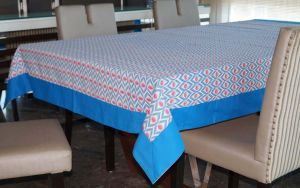 Buy Lushomes 6 Seater Small Diomond Printed Table Cloth online