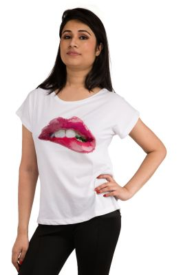 Buy Snoby Lips Printed T-Shirt online