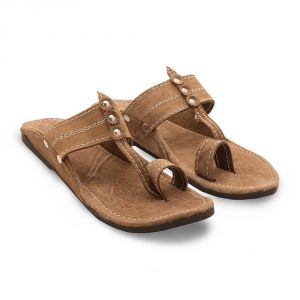 Buy Men Kolhapuri Design Leather Ethnic Mojari Slipper online