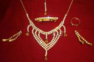 Buy Sizzling Complete American Diamond Set online