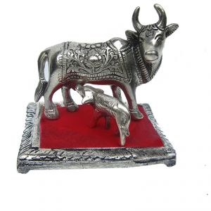 Buy Oxidized White Metal Cow And Calf Gaay Bachada online
