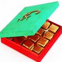 Buy Chocolates-om Green Chocolate Box online