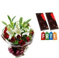 Buy Bunch With Chocolates - Flowers Nice online