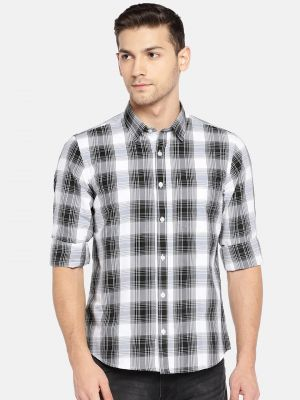 Buy Solemio Men Black & White Checked Casual Shirt online