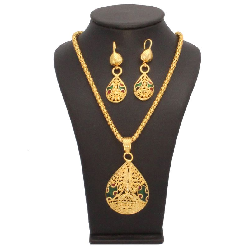 Buy Vendee Fashion Indian Gold plated Jewellery Combo Online | Best Prices in India: Rediff Shopping