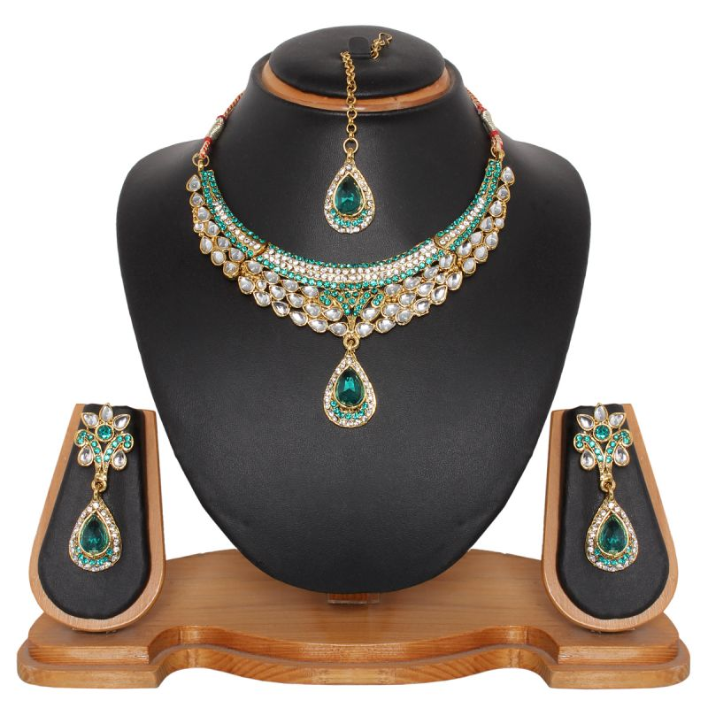 Buy Vendee Fashion Kundani Necklace Set online