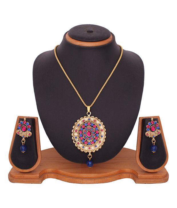 Buy Designer Diamond Pendant Set online