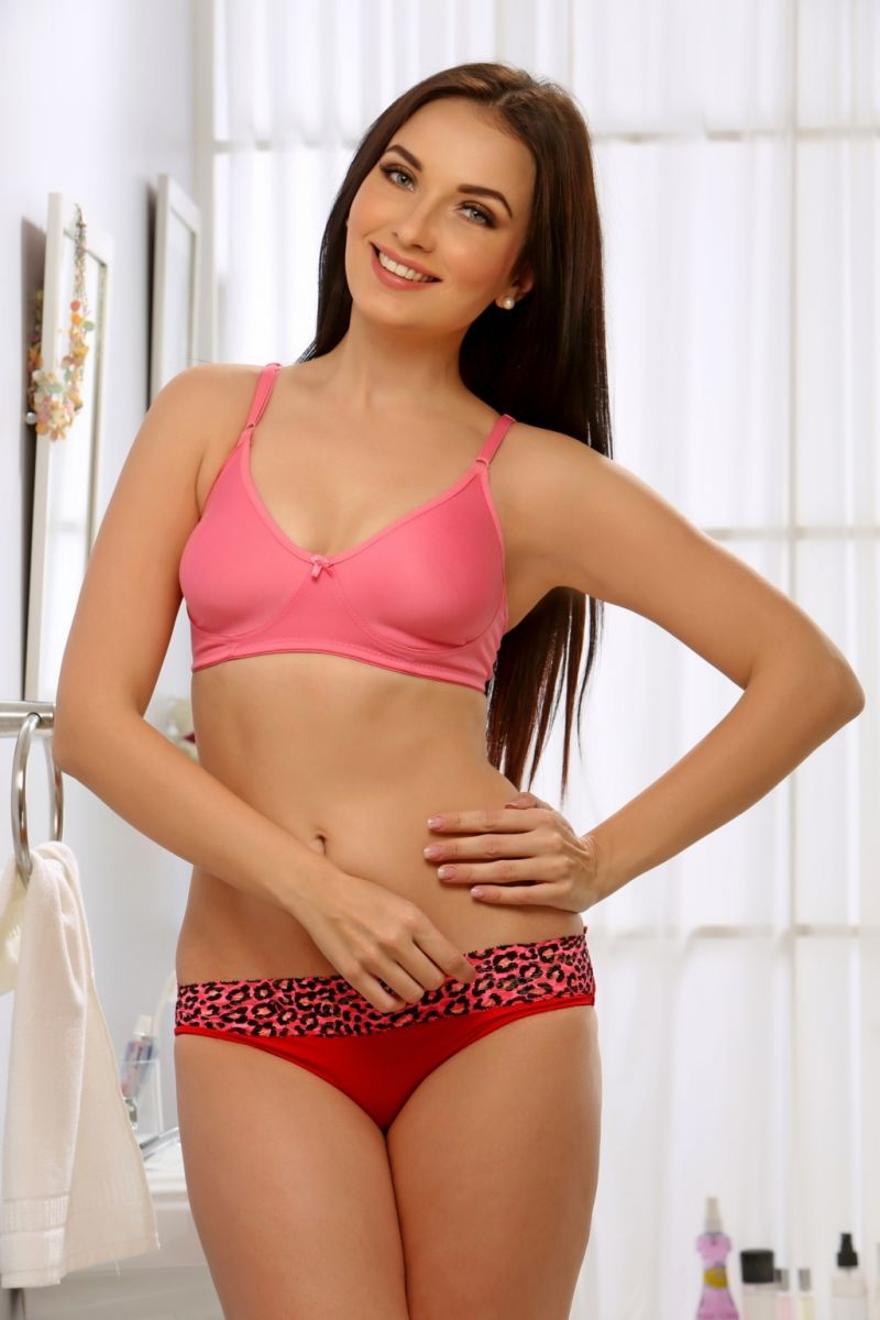 Buy Clovia Non Padded Non Wired Bra In Baby Pink Code online