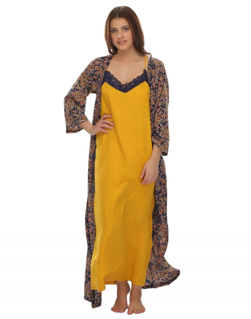 Buy Clovia Printed Robe And Nighty Set Ns0546p07 online