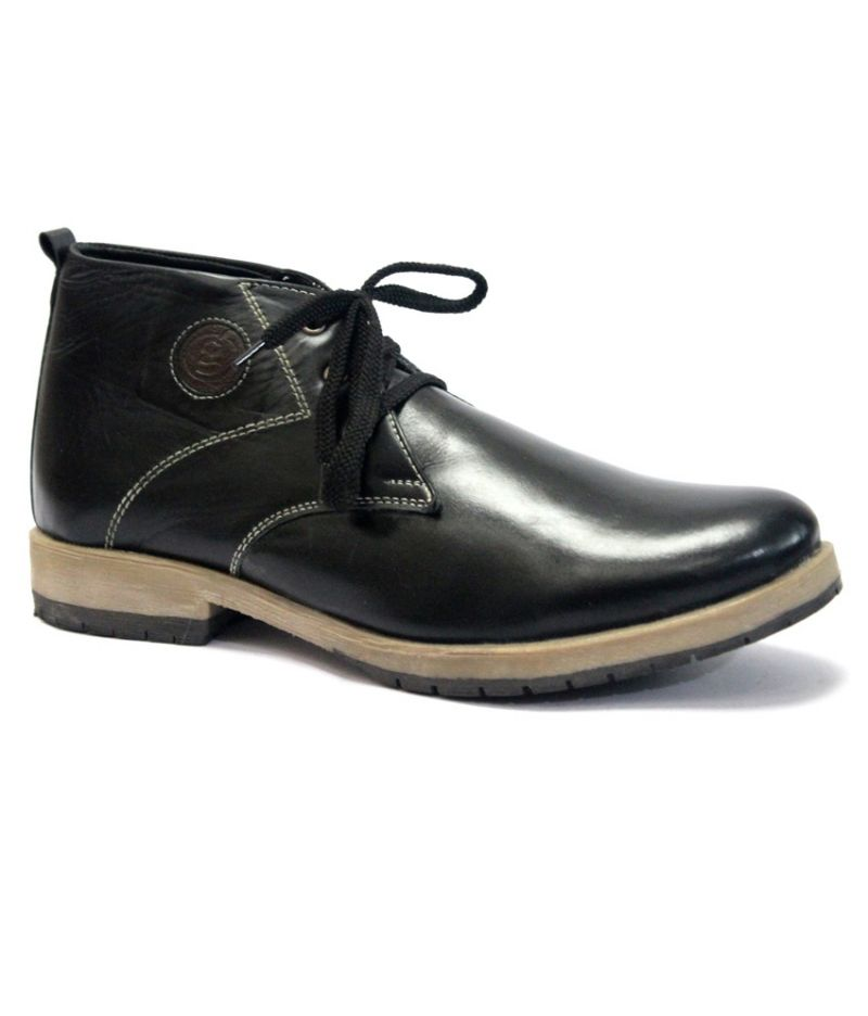 Buy Guavadesert Ankle Boots Black online