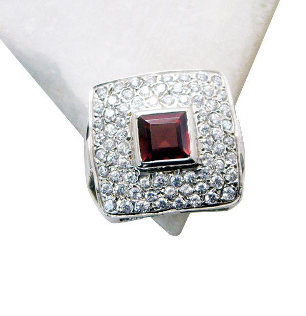 Buy Riyo Garnet Customized Silver Jewelry 925 Silver Ring Sz 7 Srgar7-26158 online