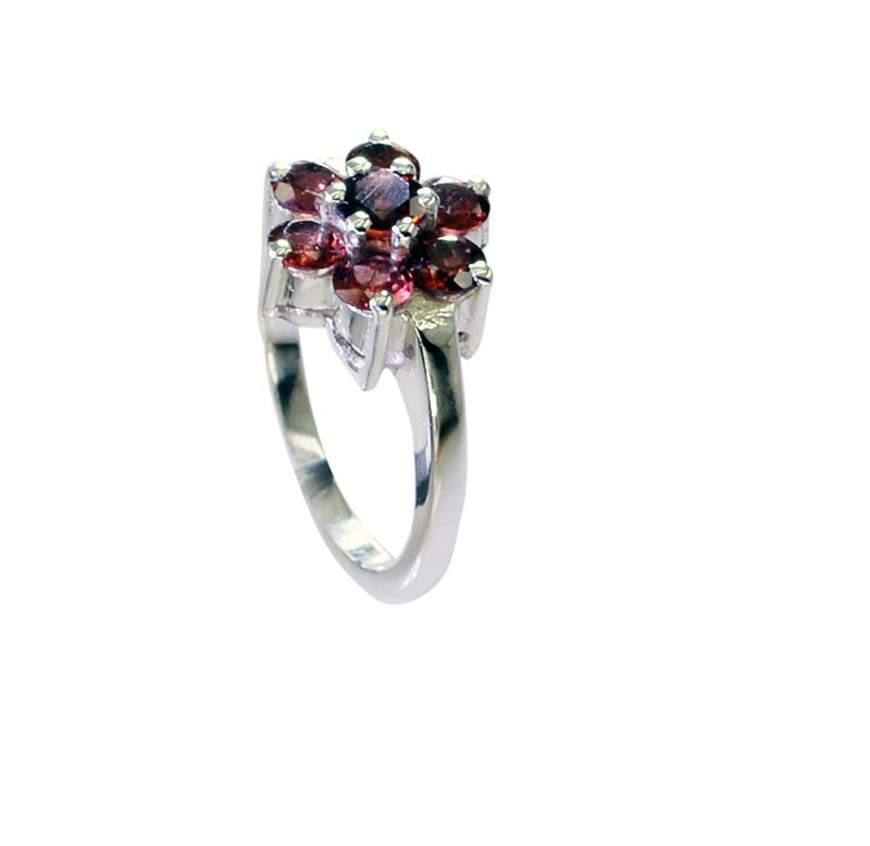 Buy Riyo Garnet Latest Silver Jewellery Claddagh Ring Sz 7.5 Srgar7.5-26240 online