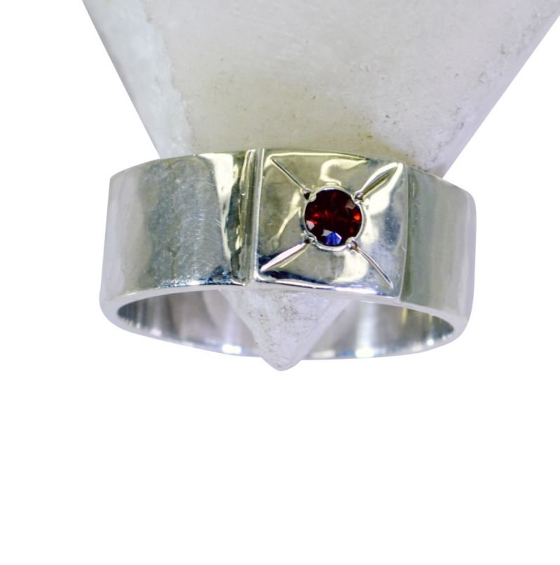 Buy Riyo Garnet Gemstone Silver Jewelry Silver Love Ring Sz 9 Srgar9-26195 online