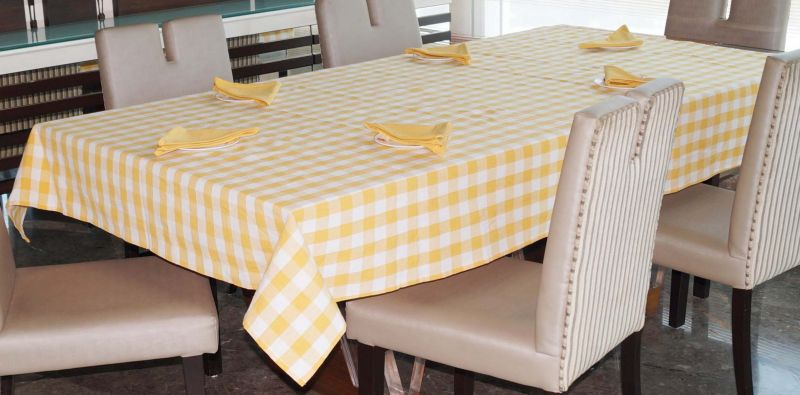 Buy Lushomes Yarn Dyed Yellow Checks 6 Seater Table Cloth & Napkins Set online
