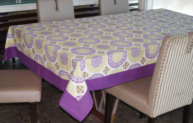 Buy Lushomes 12 Seater Bold Printed Table Cloth online