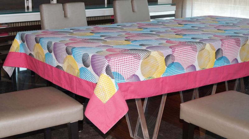 Buy Lushomes 4 Seater Circles Printed Table Cloth online