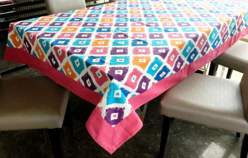 Buy Lushomes 6 Seater Ragular Square Printed Table Cloth online