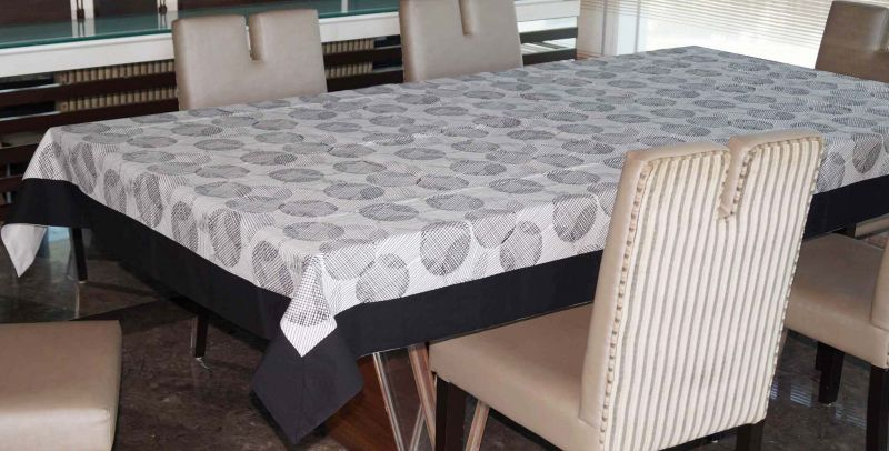 Buy Lushomes 6 Seater Ragular Geometric Printed Table Cloth online