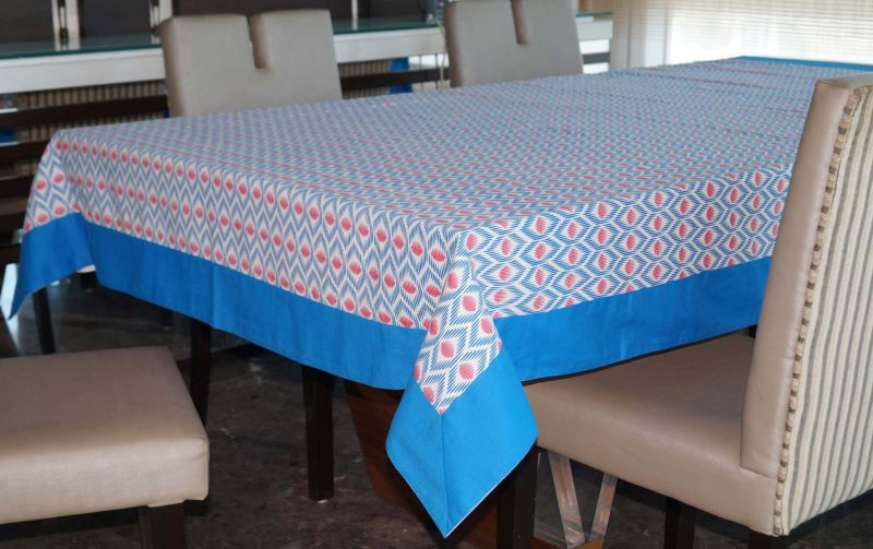 Buy Lushomes 8 Seater Diamond Printed Table Cloth online