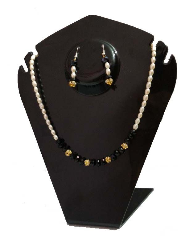 Buy Wow Prezioso Oval Pearl With Black Crystal And Stone Beads Necklace Set online