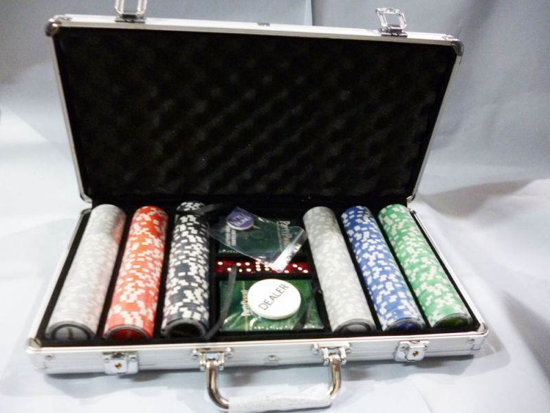 Buy 300 PCs Poker Chip Set Casino Size With Aluminium Carry Case. Poker Set online