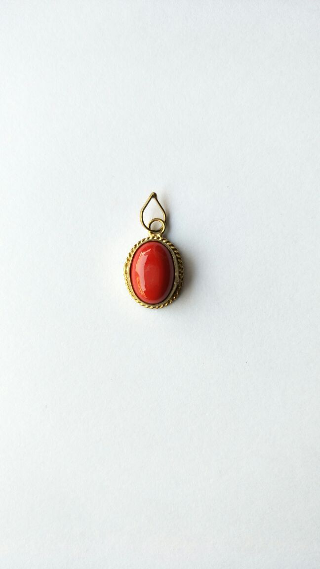 Buy Beautiful Oval Shape Red Coral Pendant / Decent Look Oval Shape Moonga Locket online