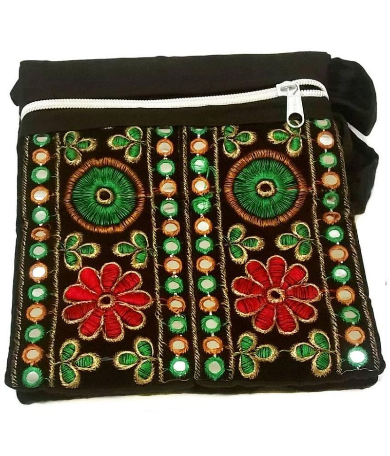 Buy Irin Handcrafted Embroidered Deep Green Cotton Sling Bag online