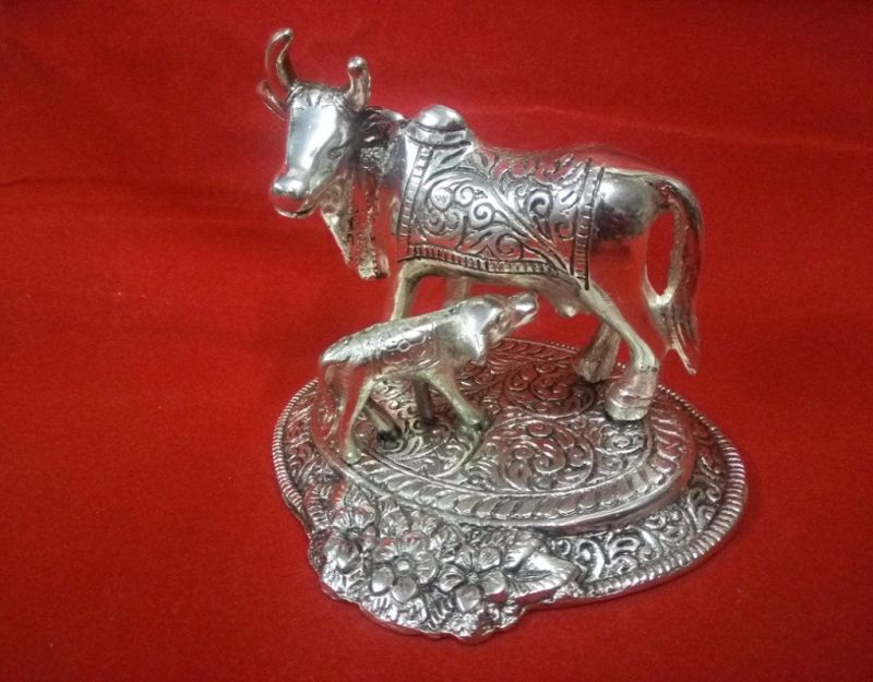Buy White Metal Cow And Calf Statue online