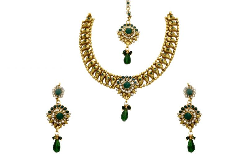 Buy LA TRENDZ Keri Design Green Traditional Ruby Womensecklace Set online