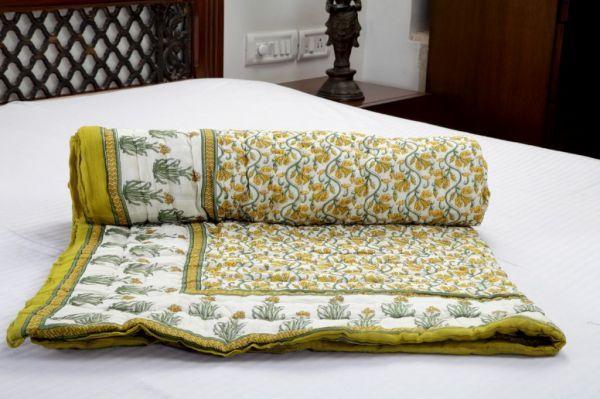Buy Jodhaa Multi Color Singles Cotton Quilt online