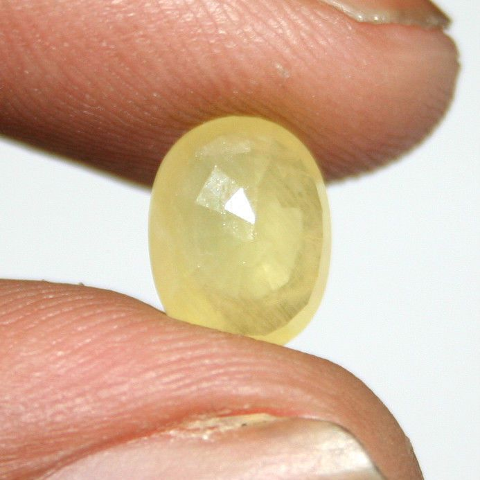 Buy 2.60 Ct Ceylon Untreated Certified Yellow Sapphire Stone - Pukhraj online