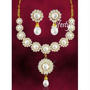 Buy Designer Wear Heavy Fresh Water Pearl Set online