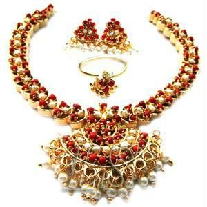 Buy Gold Plating Coral & Pearls Set online