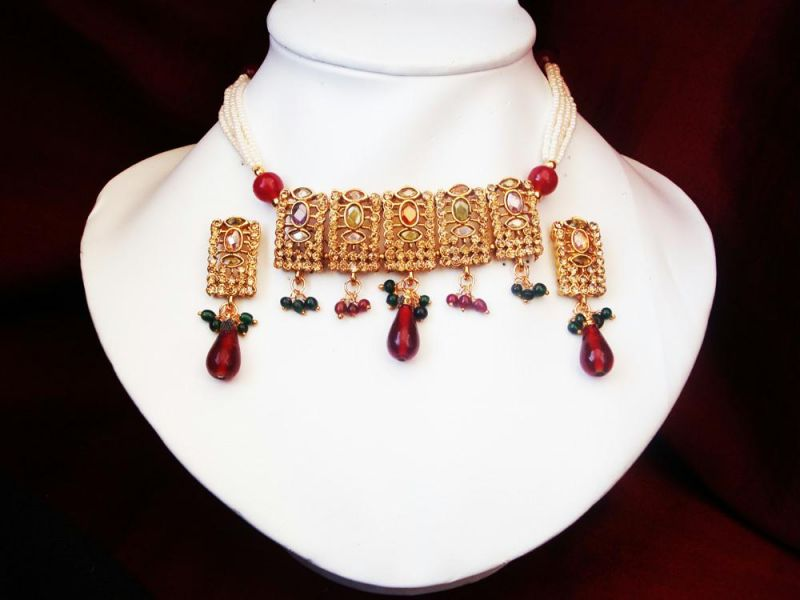 Buy Maharani Traditional Gold Forming Polki Set.. online