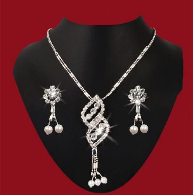 Buy Delicate American Diamond Set online