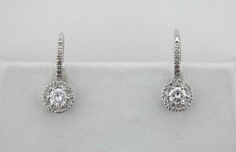 Buy Avsar Real Gold And Diamond Solitaire Earring online