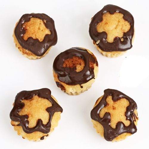 Buy Gifts-mini Chocolate Mawa Cup Cakes online