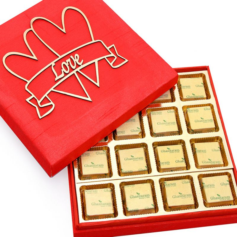 Buy Sweets-red Valentines Mewa Bite Box online