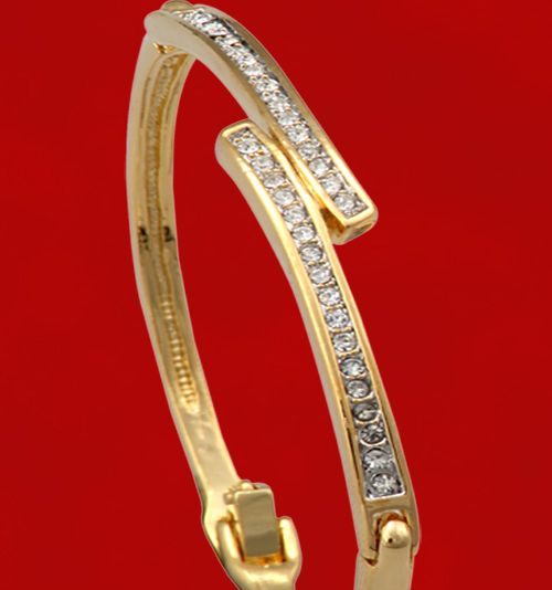 Buy Designer Diamond Bracelet line