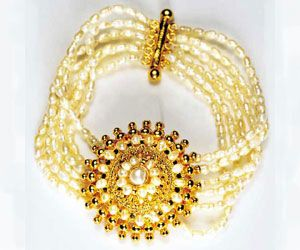 Buy Surat Diamond Pearl Glitters Bracelet Sb2 online