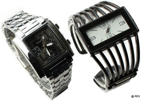 Buy Stylish Combo - Mens Watch And Ladies Watch -079 online