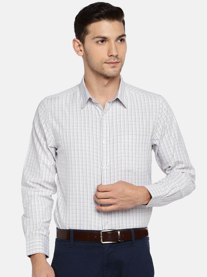 Buy Solemio Men White & Black Checked Formal Shirt online