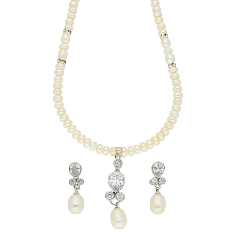 Buy Czorable Pearl Necklace online
