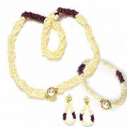 Surat Diamond Pearl  Enthralling Beauty Necklace SP98