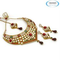 Vendee Fashion Maroon & Green Alloy Necklace Set 6821A