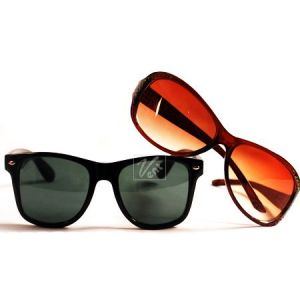 1 Black Sunglasses For Men Get 1 Women Brown Sunglasses Free 203